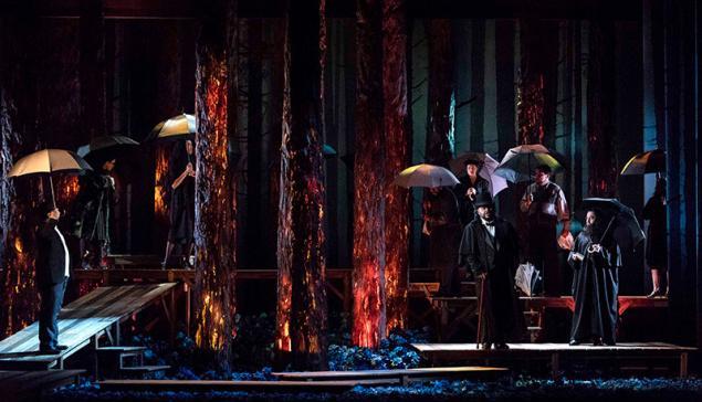 Cena da ópera Katia Kabanova no Theatro São Pedro [Divulgação / Heloisa Bortz]